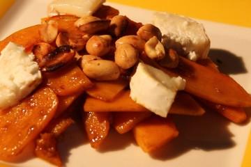 salade de potiron grillé, chèvre et cacahuètes