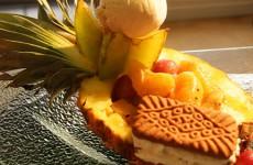 Ananas et ses fruits de saison de Guy Philipps