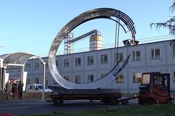 Une sculpture métallique symbole de l'activité de Continental et Steeltech.