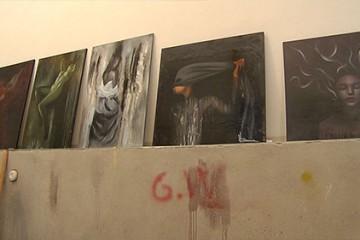 Corinne Marino peint tableaux de grandes tailles