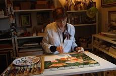 Solange Gack : une artiste qui navigue entre nature et atelier.