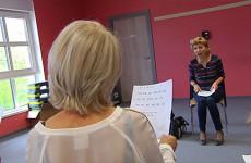 Le centre socioculturel propose une approche du français langue étrangère par le théâtre.