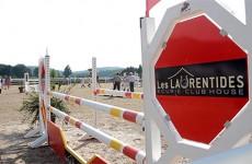 plus de 200 cavaliers participaient au concours d'obstacles National Pro 2 organisé par les Laurentides à Enchenberg.