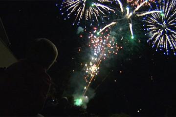 Des feux d'artifices ont illuminé le ciel de Wiesviller à l'occasion de la fête nationale