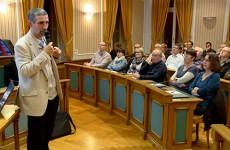 La trésorerie fait une situation financière de l'agglo avant fusion avec la CC de l'Albe et des Lacs en présence des maires de la CASC et de la CC de l'Albe et des Lacs