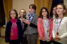 Après l'effort le réconfort et la remise des récompenses pour les jeunes sportifs qui ont pris part au grand cross des écoliers