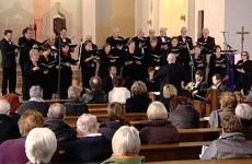L'ensemble vocal du conservatoire et son orchestre interprète les airs célèbres d'opéra et de comédie musicale.