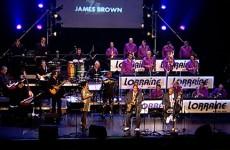 Le Lorraine Jazz Big Band et ses deux invités PeeWee Ellis et Fred Wesley.