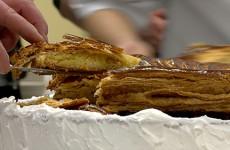 Les boulangers et leurs galettes ont rendu visite au service pédiatrique de l'hôpital de Sarreguemines