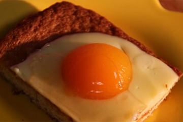 "Abricots ""oeufs au plat"""