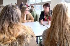 es parcours de femmes présentés aux élèves du lycée Henri Nominé