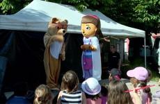 spectacle de marionnettes créé par la famille Henni