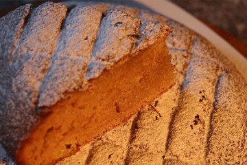 Gâteau au yaourt et à la rhubarbe à la farine bio de la ferme de la charmille à Hundling