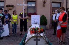 Cortège funèbre à Woustviller en mémoire de la 4ème classe de l'école du Witz.