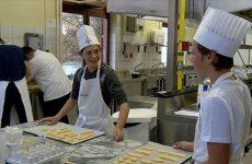 Ils sont tombés dans la marmite quand ils étaient petits ! Six collégiens apprennent à cuisiner à Sarreguemines grâce à la fondation Paul Bocuse