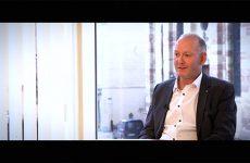 Philippe Thiry, agent général d'assurance, se lève tous les matins content d'aller travailler. Passionné par son métier, il aime particulièrement décortiquer les besoins et proposer les solutions adaptées.