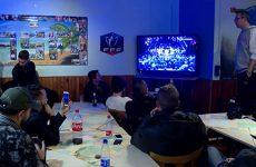 Joueurs et supporters ont regardé ensemble le tirage au sort de la coupe de France.