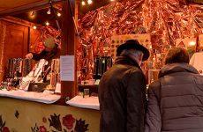 Panorama des différents chalets du marché de Noël, l'esprit de Noël a pris ses quartiers à Sarreguemines