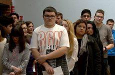 Les élèves du lycée Simon Lazard ont rendu hommage aux victimes.