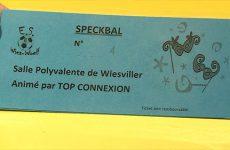 Les adeptes de carnaval ont fait la queue pour être certain de participer au Speckbal de Wiesviller