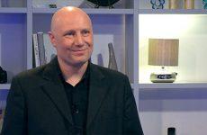 Éric Hartnagel présente son entreprise spécialisée dans les systèmes automatisés.
