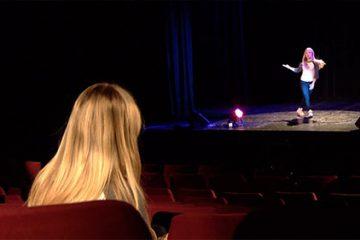 Léa Keller, 17 ans, interprète une chorégraphie de Hip Hop.
