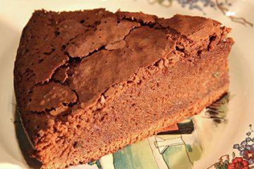 Fondant au chocolat et lierre terrestre.
