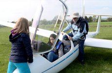 6 jeunes du quartier Beausoleil ont été initiés au vol à voile.