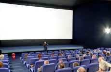La vallée des loups Le public Sarregueminois a pu échanger avec le réalisateur lors d'une soirée-débat.