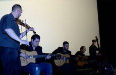 Le Hassli-Weiss Quintet a joué pour la 1ère fois aux cinémas Forum lors de l'avant-première du film.