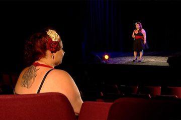 Amandine Déchaine interprète « Hallelujah » de Léonard Cohen.