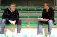 Pierre Ménès présente son ouvrage relatant sa maladie et donne sa vision du football amateur et semi-pro.