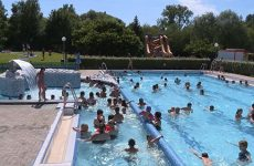 Plus de 1500 personnes sont venues se rafraîchir dans les bassins et les attractions.