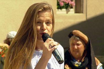 Mélanie Bock et Stéphanie Karmann interprètent « Le sud » de Nino Ferrer.