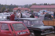 Tir à l'arc, voitures anciennes, et moisson