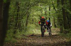 Le sport nature, entre compétition et jeu de plein air.