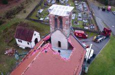 Le toit de l'église effondré, l'émotion reste forte à Mouterhouse