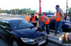 grévistes de la SNCF font opération barrières levées