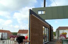 Il n'aura fallu qu'une journée pour construire une maison à Vittersbourg.