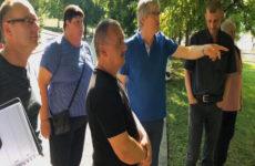 Les élus sarregueminois visitent la cité de la Forêt.